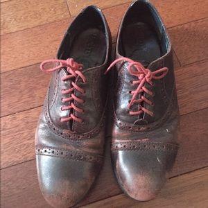 Born Oxford shoes